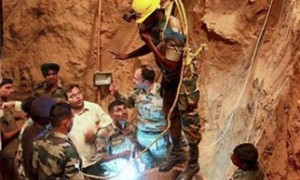 India prays for Mahi as rescue ops enter last phase