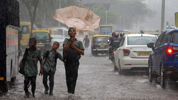 Mumbai rains: City under water, every minute A struggle